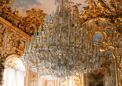 Chandelier-at-Linderhof-Castle-1024x682